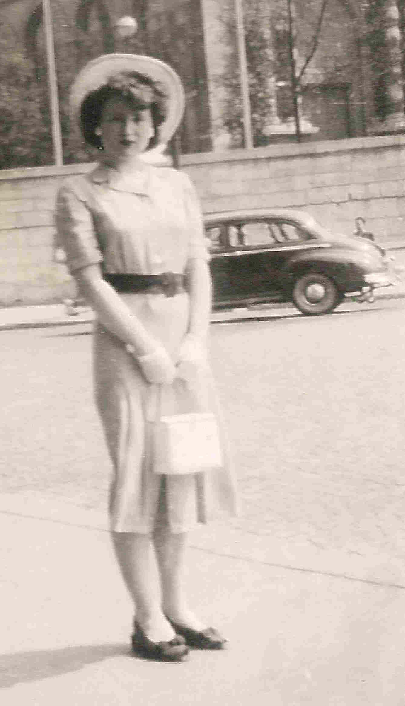 Picture of Joyce as a young girl in Paris
